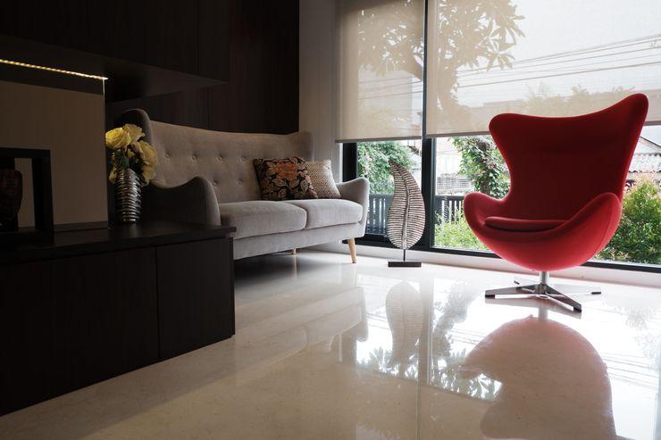 Ruang tamu Exxo interior Ruang Keluarga Modern Kayu Wood effect