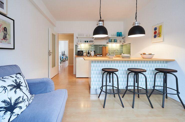 Möbliertes Appartement - Kochzone Tschangizian Home Staging & Redesign Industriale Esszimmer