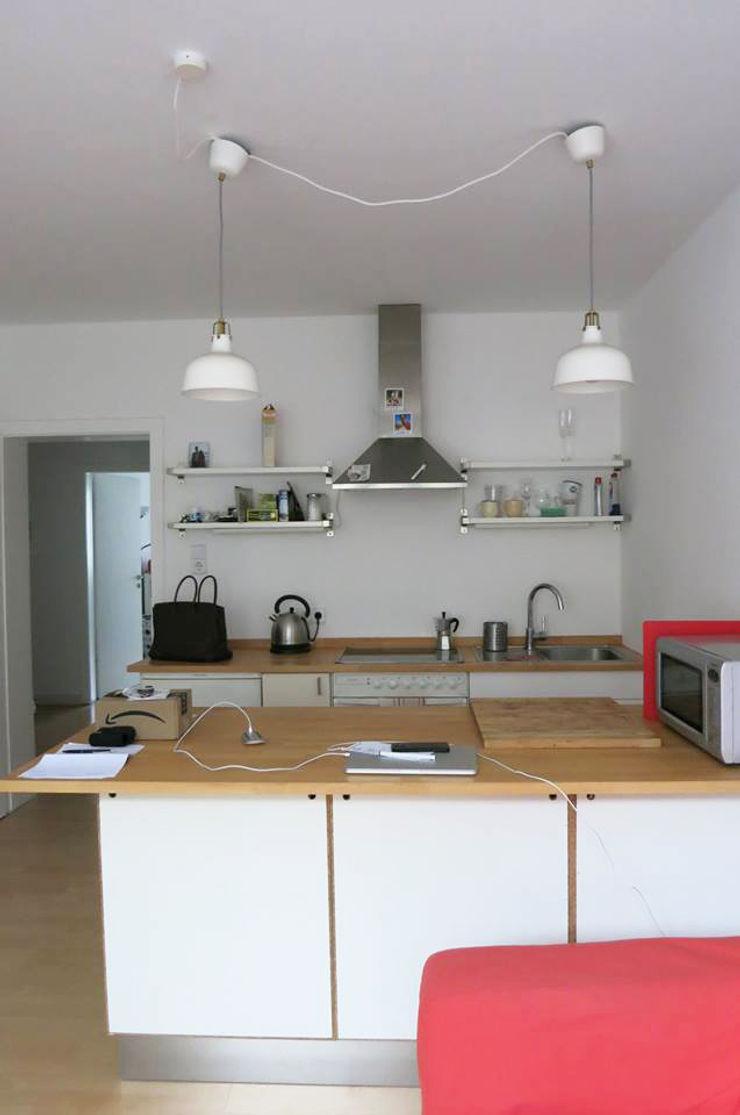Möbliertes Appartement - Kochzone VORHER Tschangizian Home Staging & Redesign Industriale Esszimmer