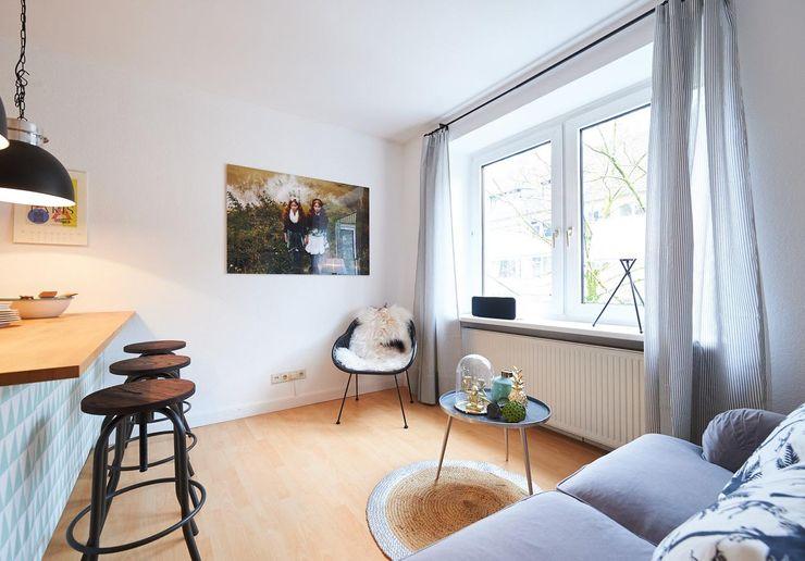 Möbliertes Appartement - Wohnen Tschangizian Home Staging & Redesign Moderne Wohnzimmer