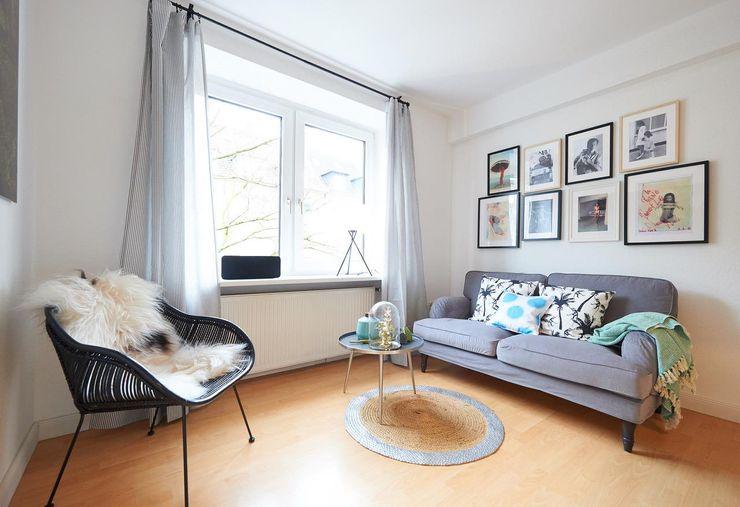 Möbliertes Appartement - Sitzecke Tschangizian Home Staging & Redesign Moderne Wohnzimmer