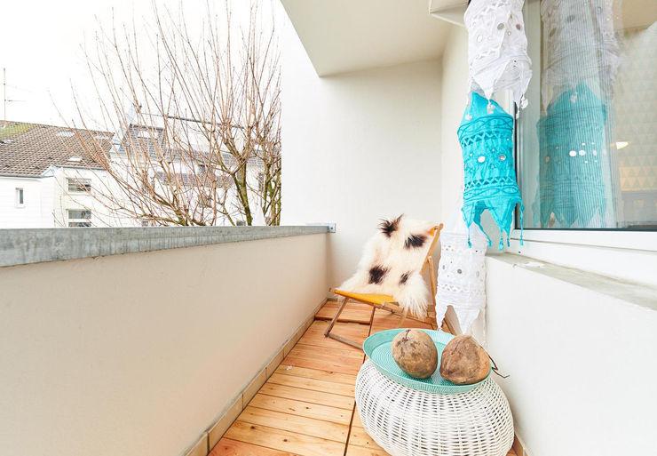Möbliertes Appartement - Balkon NACHHER Tschangizian Home Staging & Redesign Ausgefallener Balkon, Veranda & Terrasse