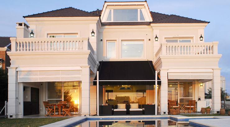 ARQCONS Arquitectura & Construcción Дома в классическом стиле