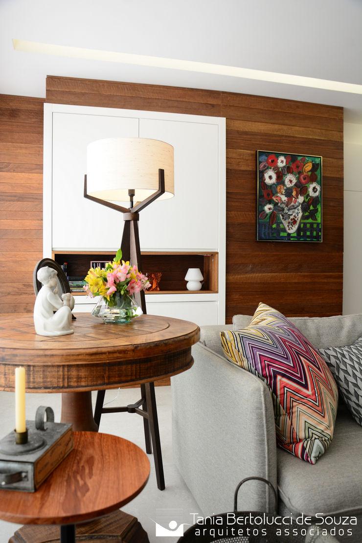 Sala de Estar Tania Bertolucci de Souza | Arquitetos Associados Salas de estar modernas