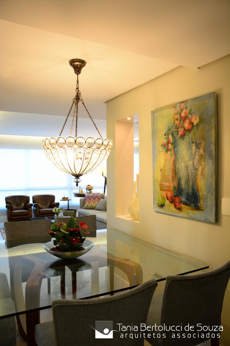 Sala de Jantar Tania Bertolucci de Souza | Arquitetos Associados Salas de jantar modernas