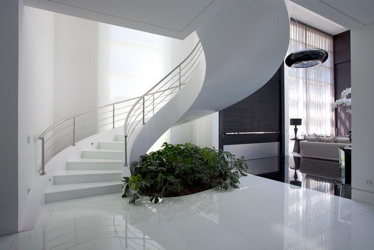 Escada Modelo Inloco com as Vigas Especiais Works Escadas Escadas Concreto