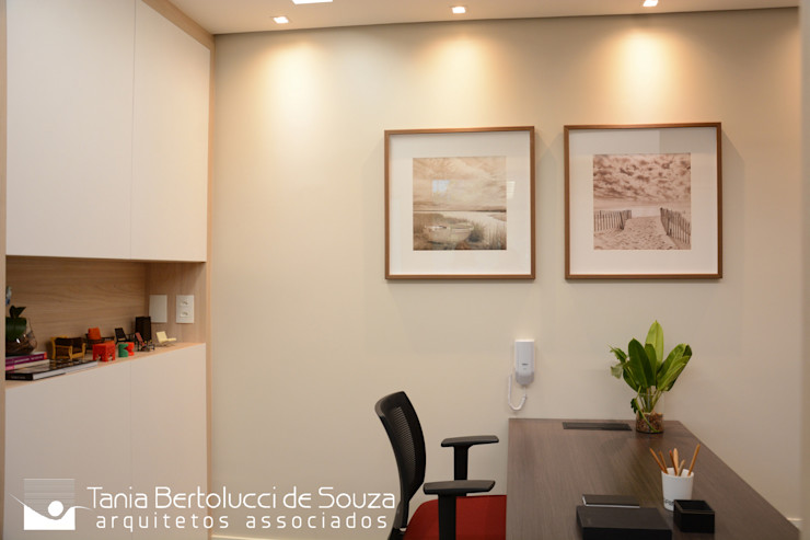 Recepção Tania Bertolucci de Souza   Arquitetos Associados Escritórios modernos