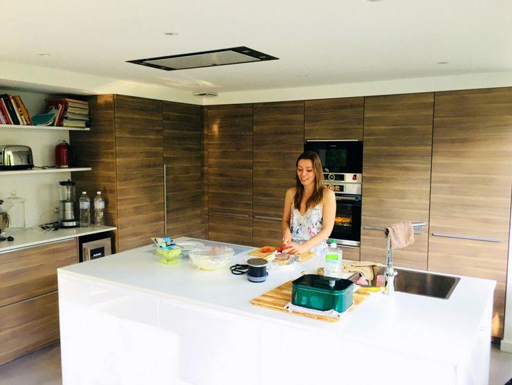 Maison M07 3B Architecture Cuisine intégrée Effet bois