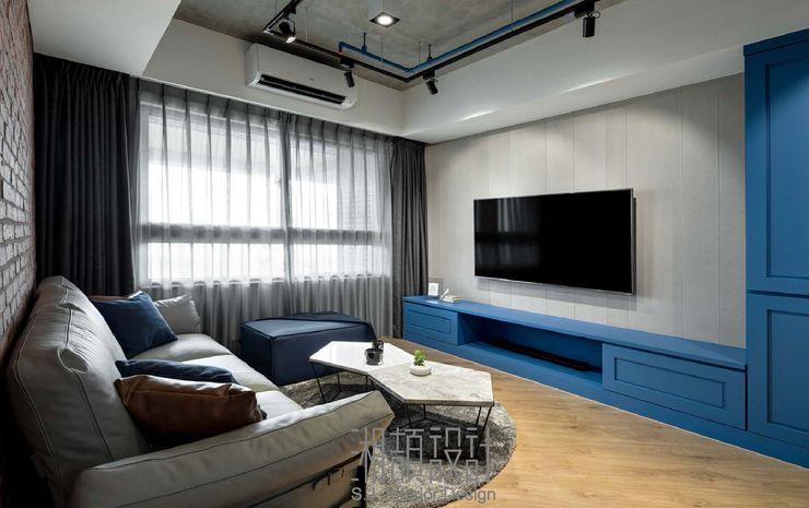 低彩度藍色點綴客廳 湘頡設計 客廳 木頭 Blue