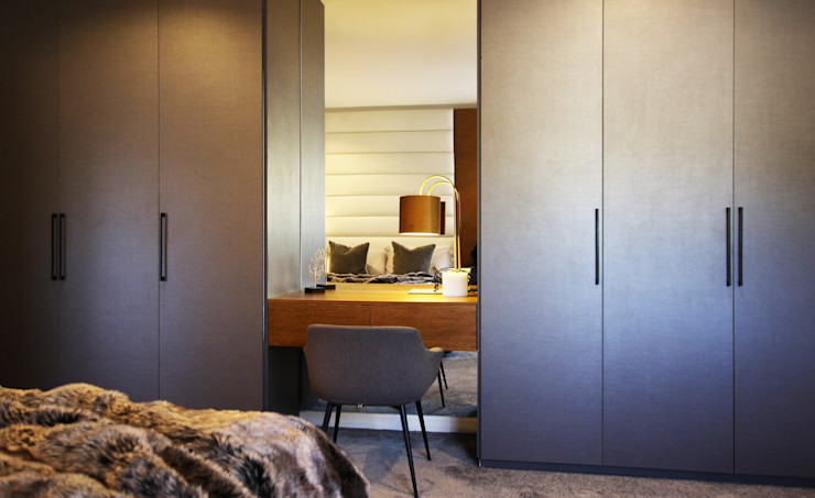 JSD Interiors Phòng thay đồ phong cách hiện đại Gỗ Grey