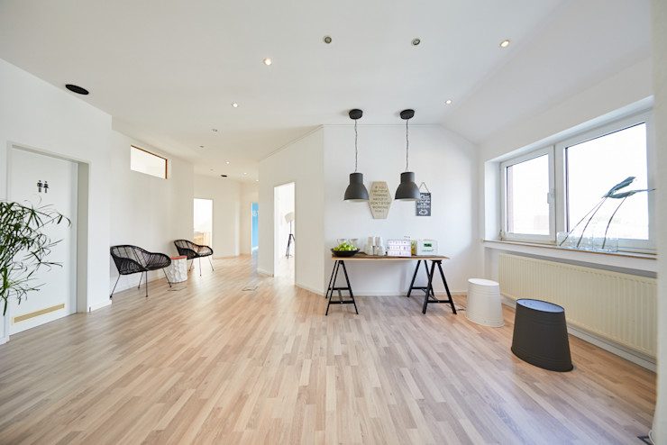 Office Staging - Eingang - NACHHER Tschangizian Home Staging & Redesign
