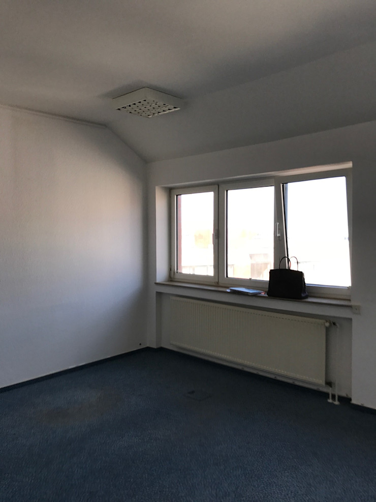 Office Staging - Besprechung - VORHER Tschangizian Home Staging & Redesign