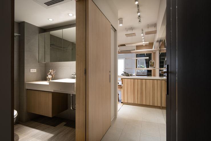 有偶設計 YOO Design Modern corridor, hallway & stairs