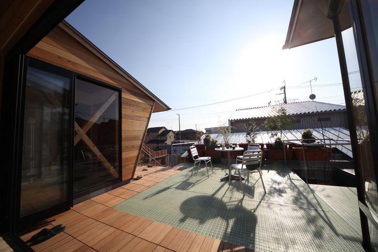 アウトドアリビング 株式会社高野設計工房 北欧デザインの テラス