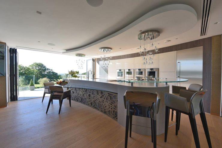 Mr & Mrs Unsworth Diane Berry Kitchens Built-in kitchens Metallic/Silver