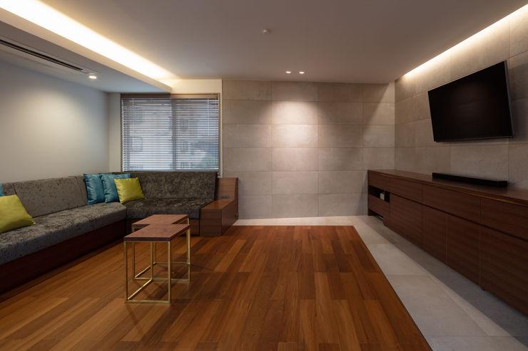 hm+architects 一級建築士事務所 Modern Living Room