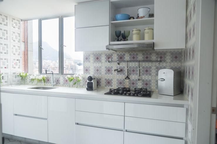 am Arquitectos Moderne Küchen