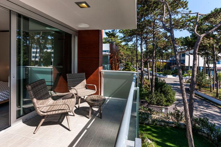 Casa MM Elia Falaschi Fotografo Balcone, Veranda & Terrazza in stile moderno