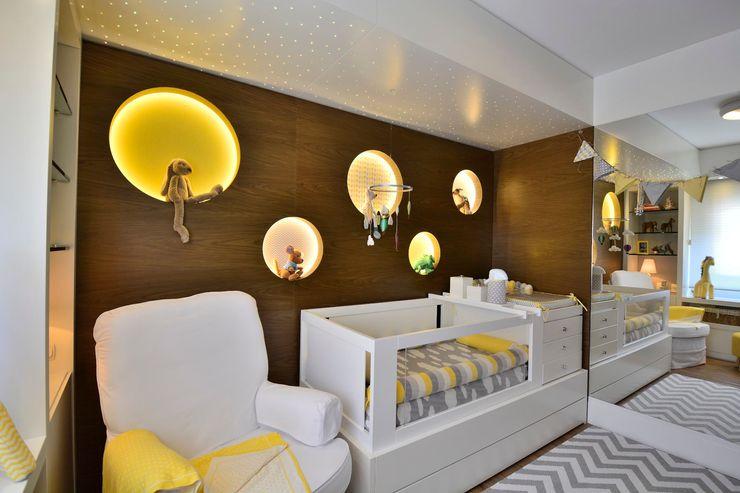 Dormitório de Bebê Lindo BG arquitetura   Projetos Comerciais Quartos de bebê