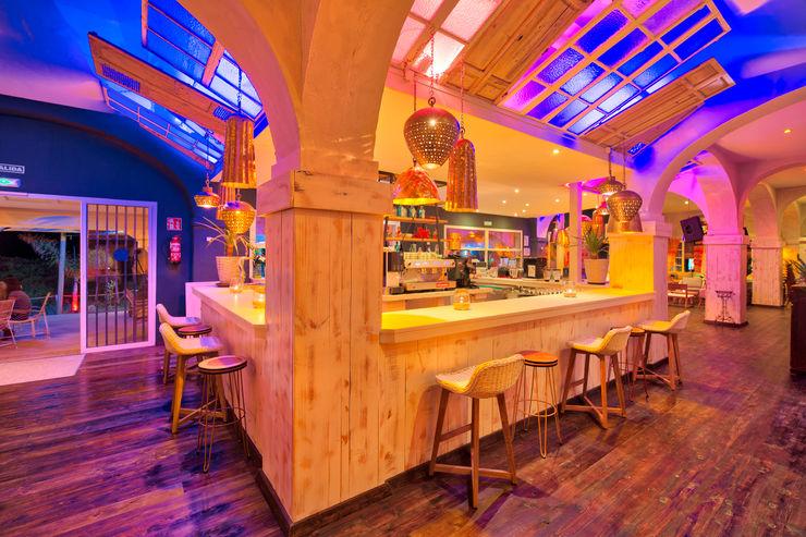 Beach Club en Zahara de los Atunes (Cádiz) Idearte Marta Montoya Dormitorios mediterráneos