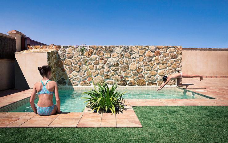 Cuatro Casas en Consolación Idearte Marta Montoya Piscinas de estilo mediterráneo
