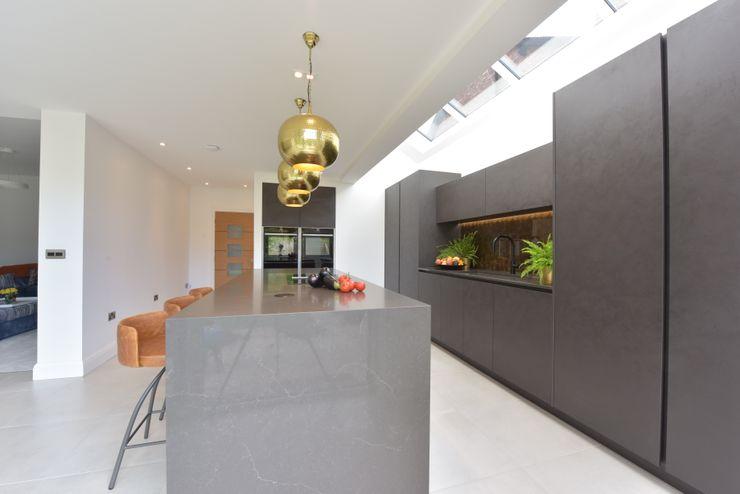 Mr & Mrs Martin Diane Berry Kitchens Built-in kitchens Copper/Bronze/Brass Grey
