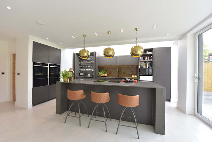 Mr & Mrs Martin Diane Berry Kitchens Built-in kitchens Ceramic Grey