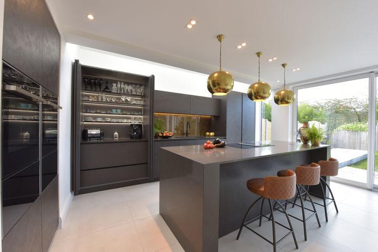 Mr & Mrs Martin Diane Berry Kitchens Built-in kitchens Quartz Grey