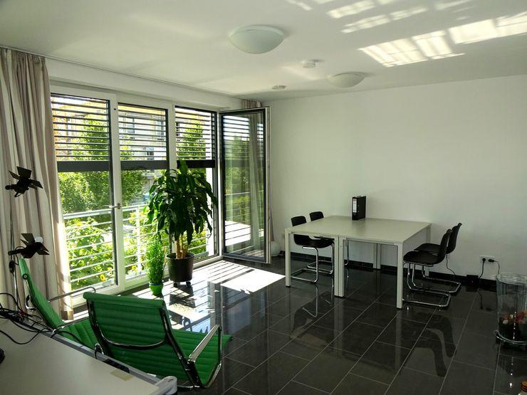 Junker Architekten Modern study/office White