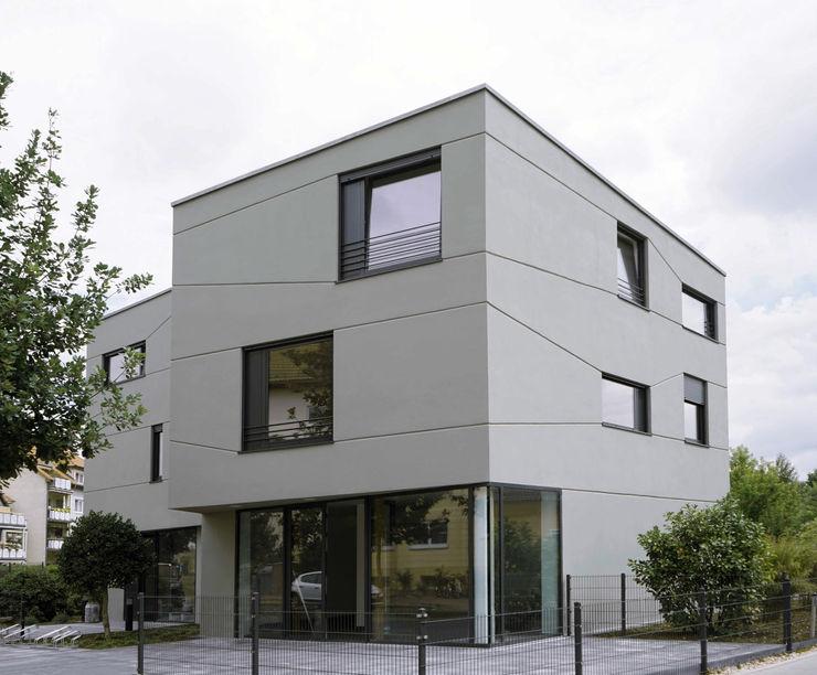boehning_zalenga koopX architekten in Berlin Minimalist houses Stone Grey