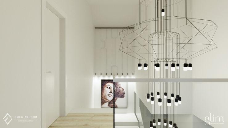 Glim - Design de Interiores Flur, Diele & TreppenhausAccessoires und Dekoration