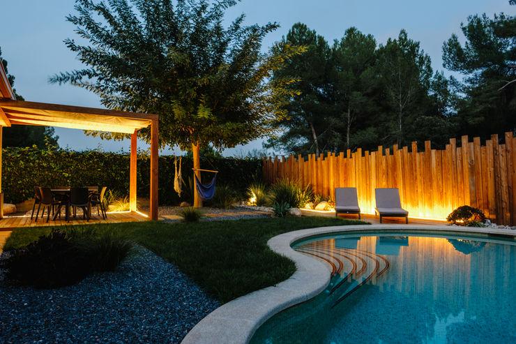 Bosk Simbiosi Estudi Jardines de estilo mediterráneo