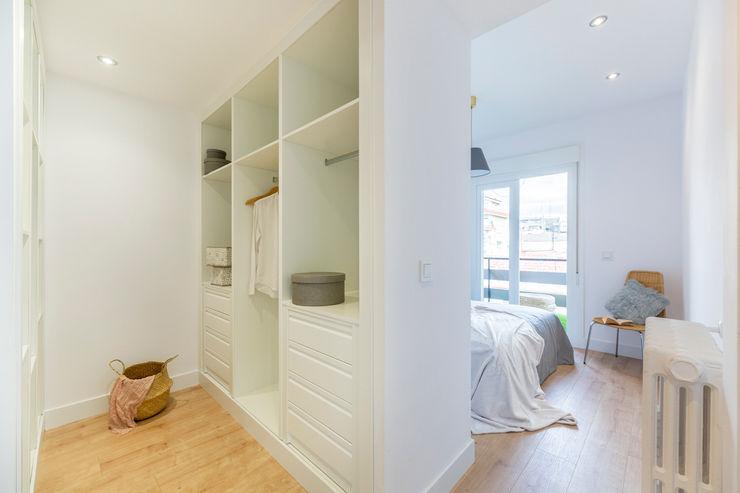 FACTORY HOME STAGING CALLE PEÑUELAS FACTORY HOME STAGING Dormitorios de estilo minimalista