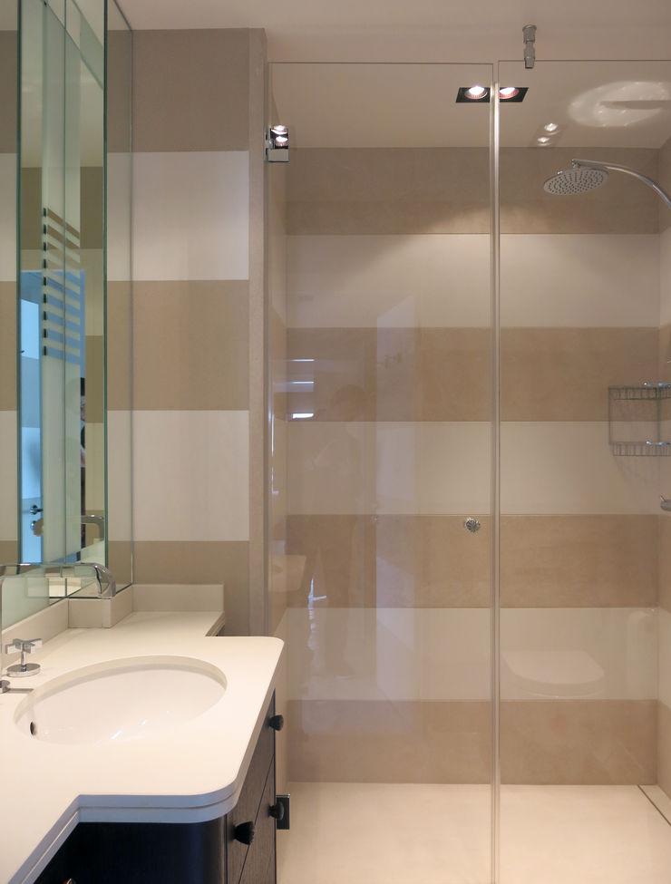 Antoine Chatiliez Classic style bathroom