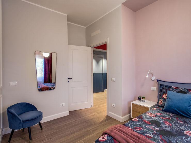 MONTEFALCO MOB ARCHITECTS Camera da letto moderna