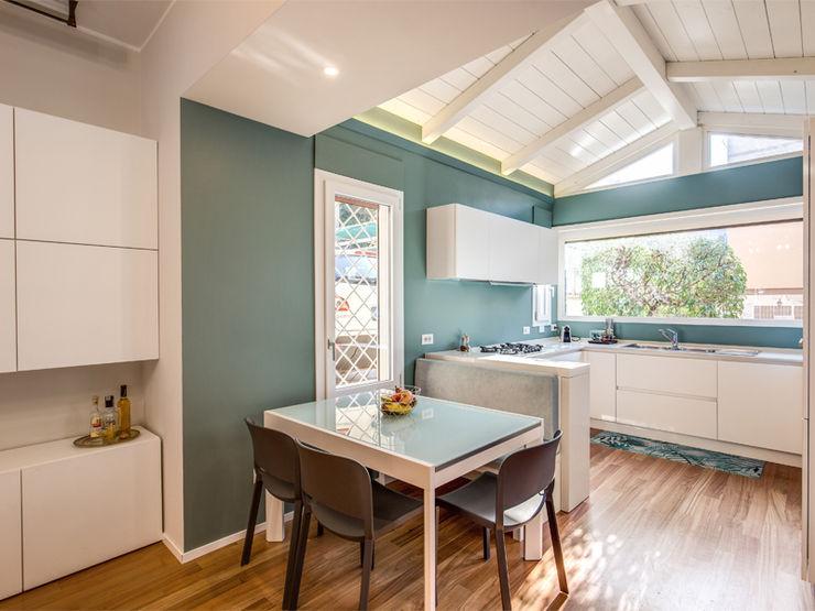 MOB ARCHITECTS Moderne Küchen