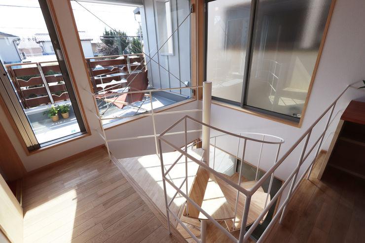 遠藤浩建築設計事務所 H,ENDOH ARCHTECT & ASSOCIATES Stairs Iron/Steel White