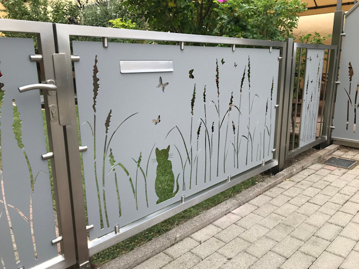 Einfahrtstor Edelstahl Atelier Crouse: Vorgarten Metall Metallic/Silber