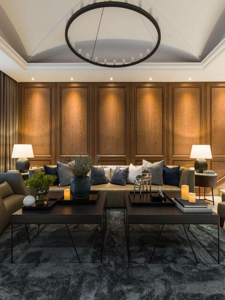 白色天花搭配吊燈,與地毯還有皮沙發呈現視覺上的對比,卻又格外和諧 湘頡設計 Living room