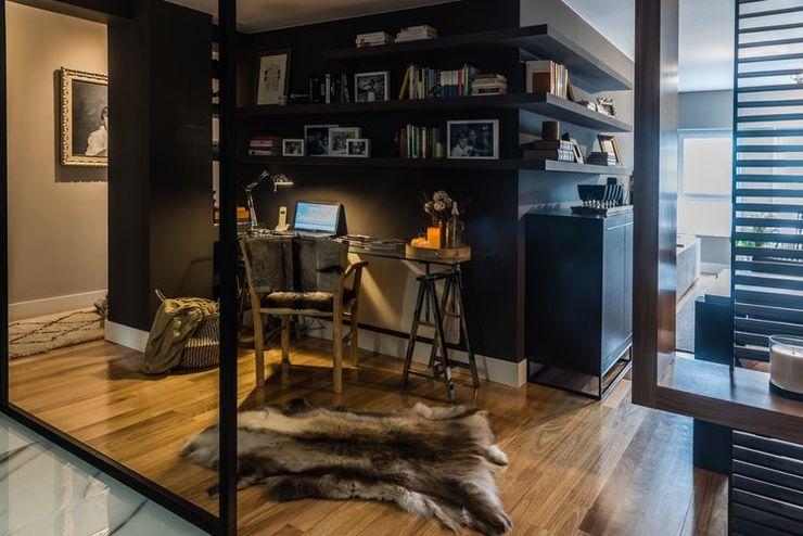 Reforma integral de un piso en A Coruña LUCIA PARGA INTERIORISTA Pasillos, vestíbulos y escaleras de estilo ecléctico