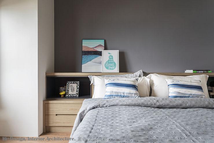 主臥室 Hi+Design/Interior.Architecture. 寰邑空間設計 BedroomBedside tables Plywood Wood effect