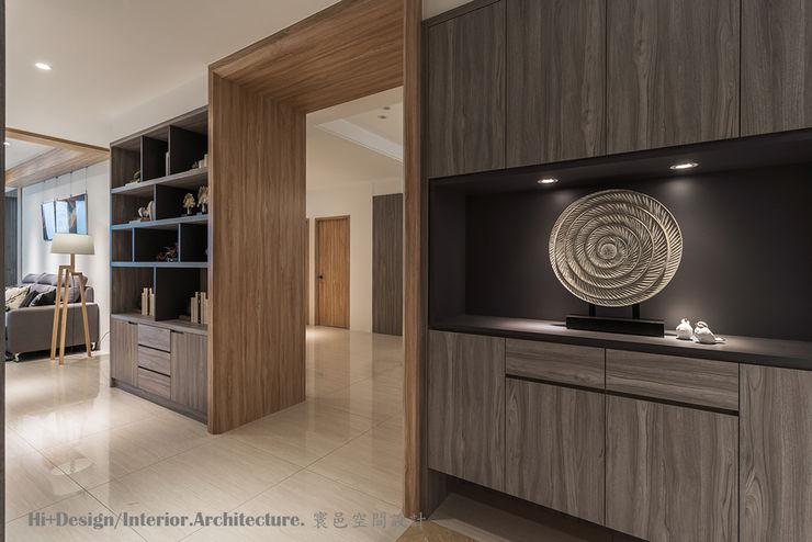 入口玄關 Hi+Design/Interior.Architecture. 寰邑空間設計 Modern corridor, hallway & stairs