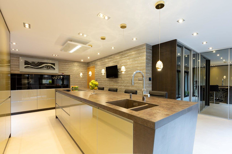 Mr & Mrs Sands Diane Berry Kitchens Built-in kitchens Glass Amber/Gold