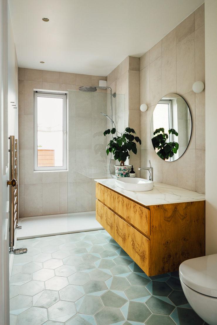 De Beauvoir House Neil Dusheiko Architects Modern Koridor, Hol & Merdivenler