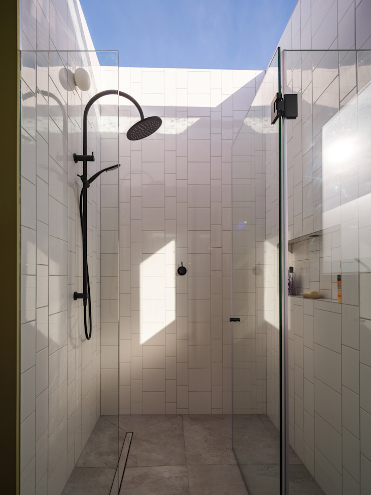 Dusheiko House Neil Dusheiko Architects モダンスタイルの お風呂
