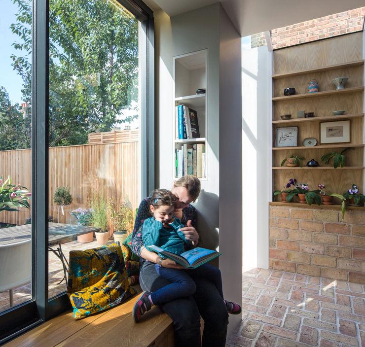 Gallery House Neil Dusheiko Architects Modern Pencere & Kapılar