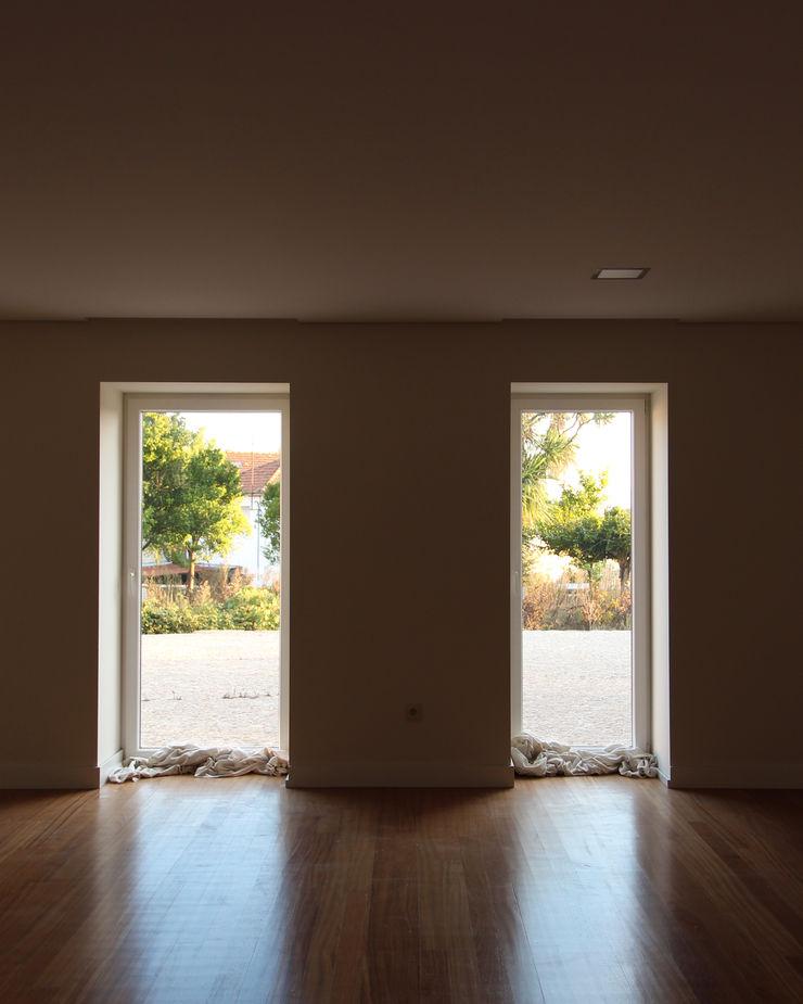 Melo & Filhos Carpintaria Modern Living Room