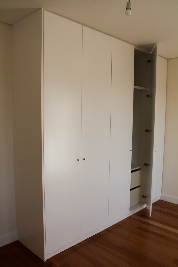 Melo & Filhos Carpintaria Modern Dressing Room