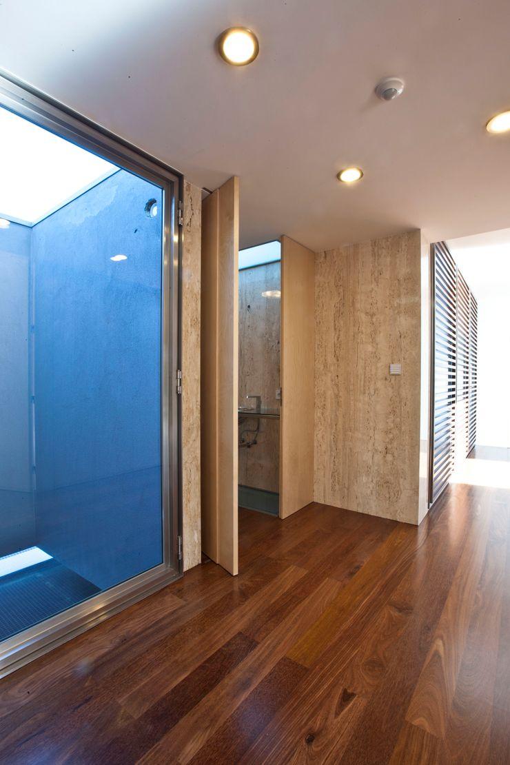 Melo & Filhos Carpintaria Modern Bathroom