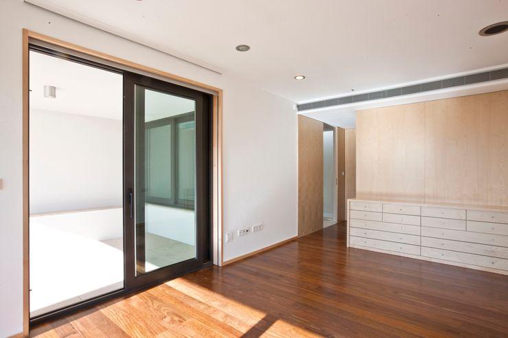 Melo & Filhos Carpintaria Modern Bedroom